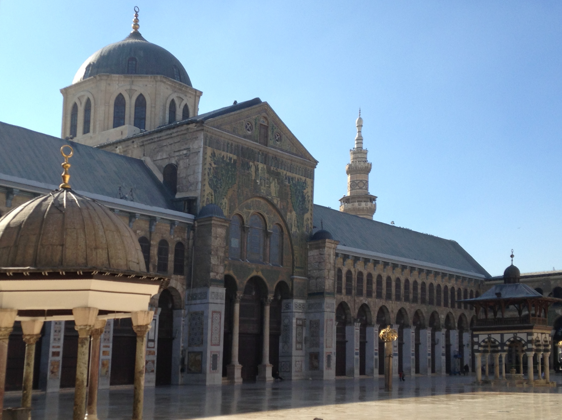 the great mosque od domascus The great ummayyad mosque remains one of the great symbols of the glorious period of muslim civilisation and its pride it is a master piece of architectural ingenuity having a decisive influence on the maturity of mosque architecture all over the muslim world.